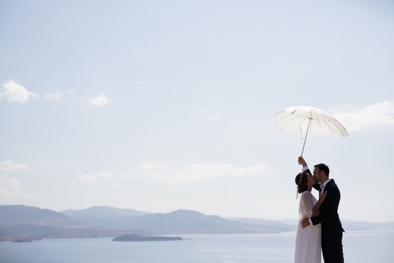 MENTA-WEDDINGS-SAKIS-BATZALIS-umbrella